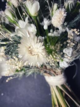 Detail Brautstrauss, mit Strohblume