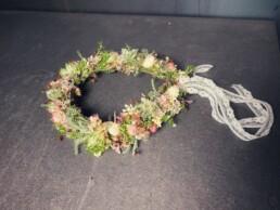 Haarkränzli mit Spitzenband - perfekte Kombination von Kräutern und Blüten
