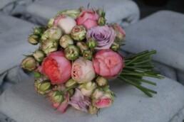 Ein Brautstrauss nur aus Rosen - dieser Anblick - überwältigend