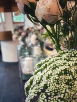 Blumendetail von sommerlicher Hochzeit
