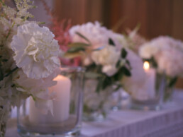 Blumen auf dem Altar