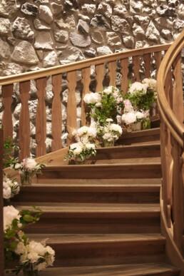 Blumenmeer auf Treppe