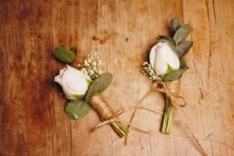 Anstecker für Bräutigam und Trauzeuge