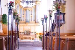 Trauungsdeko in Kirche